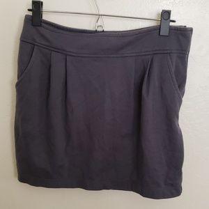 gray skirt w/ pockets